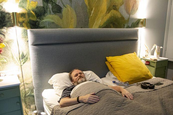 Het leven van Gert-Jan van Duren: 24 uur per dag in bed.
