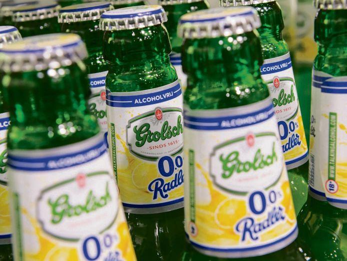 De verkoop van alcoholvrije bieren zit fors in de lif. De één zweer bij het behoorlijk zoete Radler, een ander is vol lof over Jupiler of Heineken 0.0.
