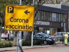 File voor coronaprik in Zevenaar? 'Desnoods maken we eenrichtingsweg van Lentemorgen'