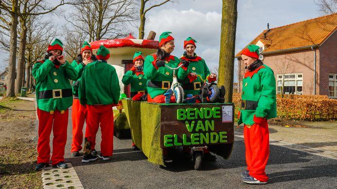 Carnavalsoptocht in Spoordonk.