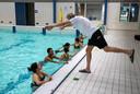 Introductiecursus zwemmen in het sportcentrum van de TU/e.