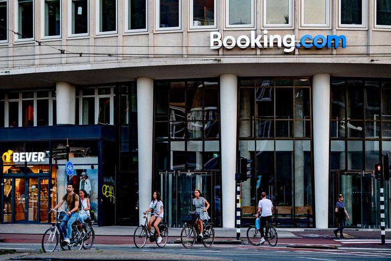 Het kantoor van Booking.com in Amsterdam – niet het nieuwe, dat is nog in aanbouw.  Beeld Getty