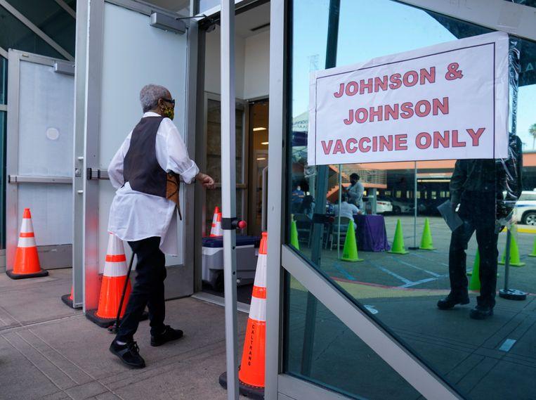 Een priklocatie nabij Los Angeles, waar tot voor kort nog werd gevaccineerd met Johnson & Johnson. Beeld AP