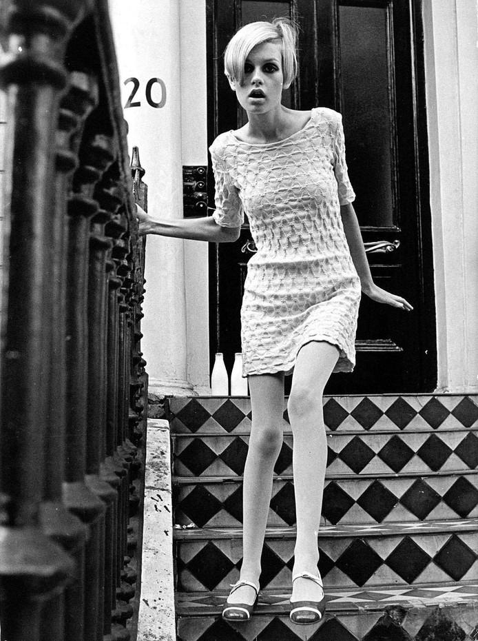 Het vroegere, superslanke fotomodel Twiggy Lawson  in 1967.