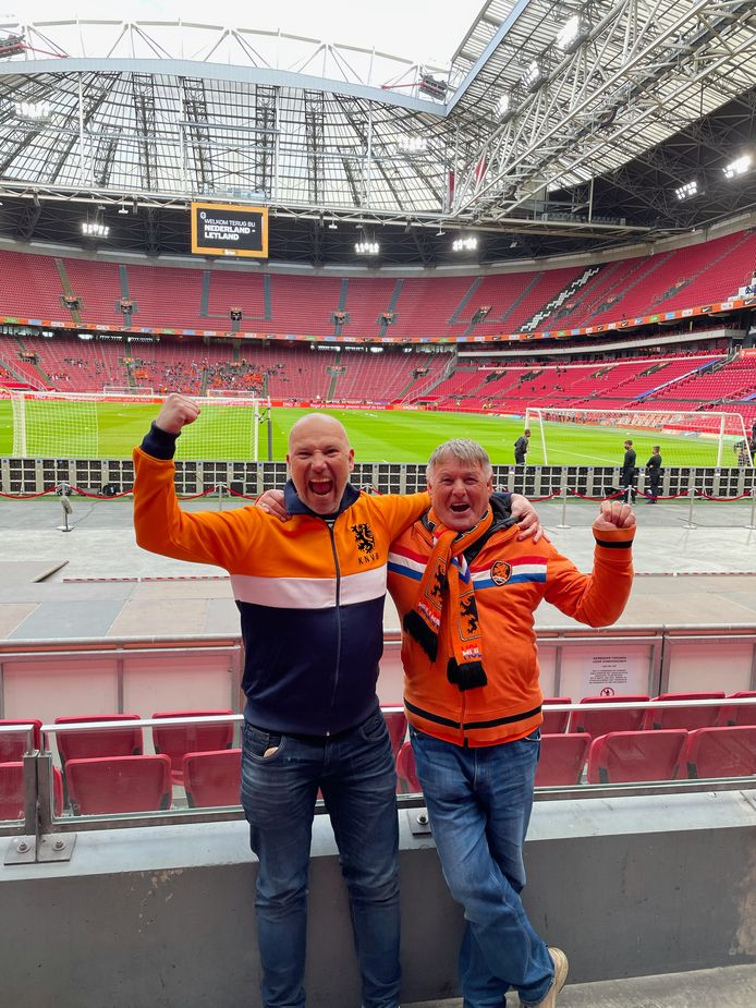 Yuri en zijn vader Jan Baart terug in het stadion bij het Nederlandse elftal.