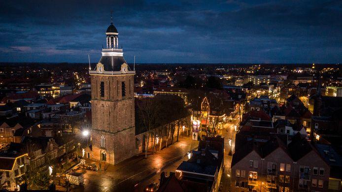 De toren van de Grote- of Mariakerk is voorzien van nieuwe LED-verlichting.