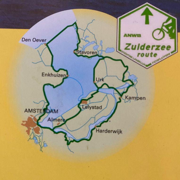 De bij recreanten populaire Zuiderzeeroute van 388 kilometer. Het rondje IJsselmeer is met ruim 200 kilometer aanzienlijk korter, en gaat via de dijk van Enkhuizen naar Lelystad. Beeld Sybilla Claus