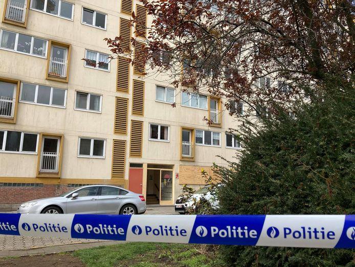 Het lichaam van de 93-jarige man werd in zijn appartement in de Baviaanstraat aangetroffen.