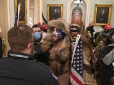 Qui sont les assaillants du Capitole? Voici Jake Angeli, le chaman du mouvement complotiste QAnon