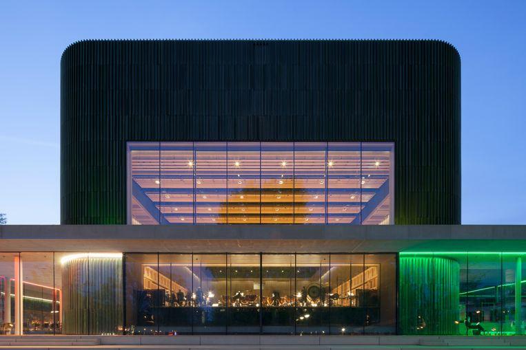 Blikvanger is de nieuwe Parkzaal met het kolossale venster.  Foto: Bart van Hoek  Beeld rv