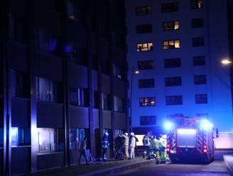 Pan met olie vat vuur in appartement, brandweer moet enkel verluchten