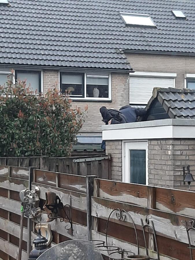 Agenten hielden de woning al langere tijd in de gaten.