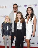 Chris Cornell met zijn vrouw Vicky en twee kinderen.