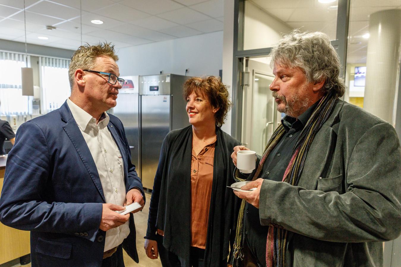 De installatie van de nieuwe gemeenteraad in 2018. Vlnr: Jannes Mulder, Aletta Makken en Ronald van Vlijmen.© wilbert bijzitter
