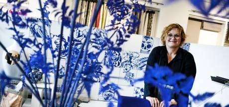 Lotty van Wolfs Woonstudio in Hengelo: 'Mijn vader gooide mij in het diepe, door hem heb ik het vak geleerd'