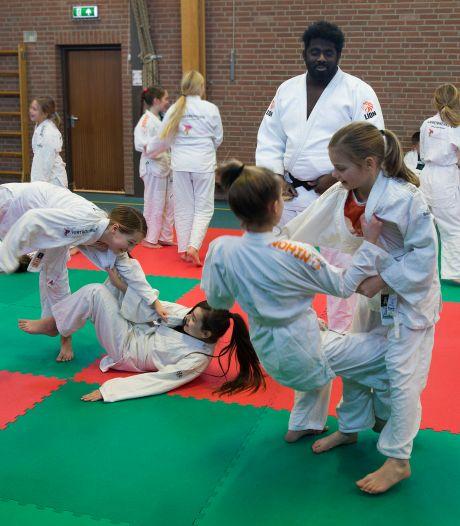 Basisschool de Overlaat is gek op de tatami: schooljudo is veel  meer dan alleen stoeien