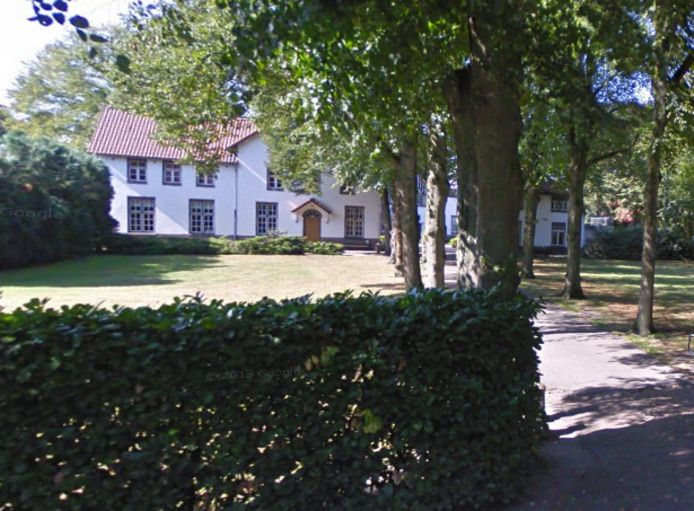 Het voormalige meisjesinternaat in Stevensbeek.