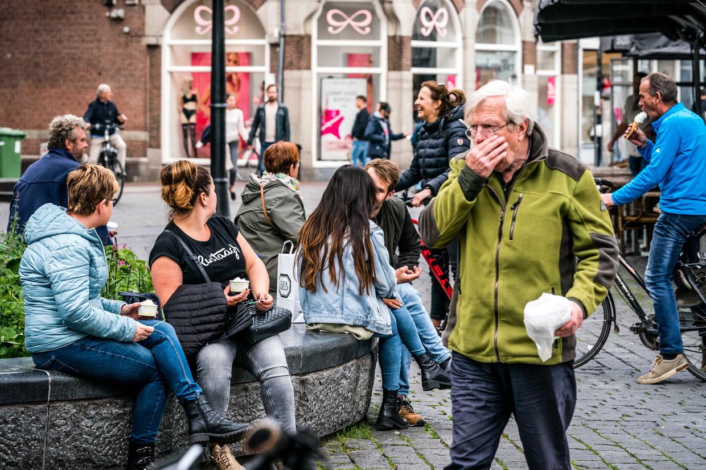Winkelend publiek op afgelopen zondag in het centrum van Den Bosch.  Beeld ANP