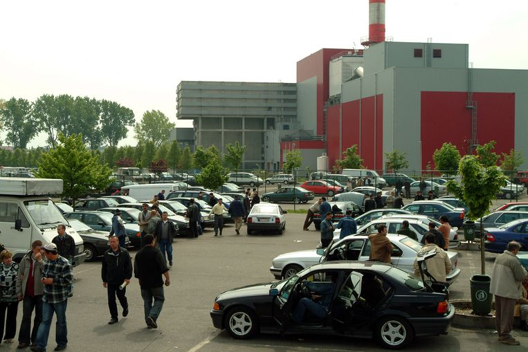 Archieffoto. De automarkt in Wilrijk.