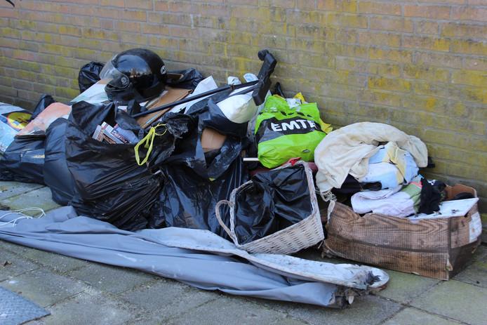 Wildstort van afval is op een aantal plekken in Hengelo een groot probleem.