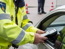 Politie controleert op alcohol- en drugsgebruik in Sallandse verkeer