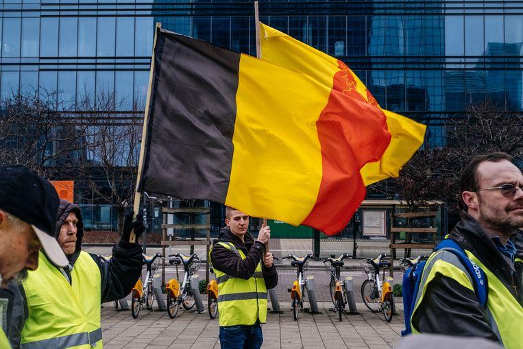 Gele Hesjes bijeenkomst aan het Noordstation in Brussel. Beeld Wouter Van Vooren