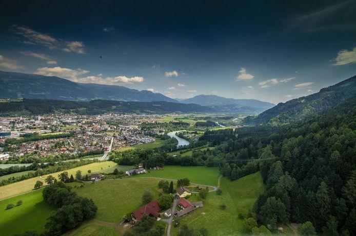 De 27 studenten verbleven in een appartementencomplex in Spittal in de Oostenrijkse deelstaat Karinthië.