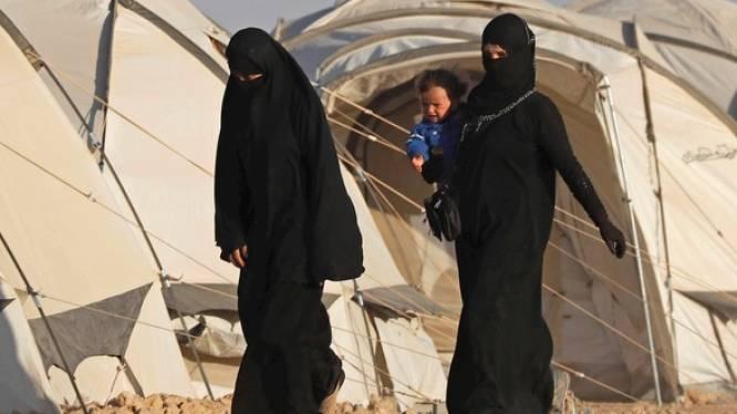 """""""Blij dat ze weg zijn uit die traumatische omgeving"""": Hans Bonte reageert op terugkeer Vilvoordse Syriëstrijdster en haar drie kinderen"""