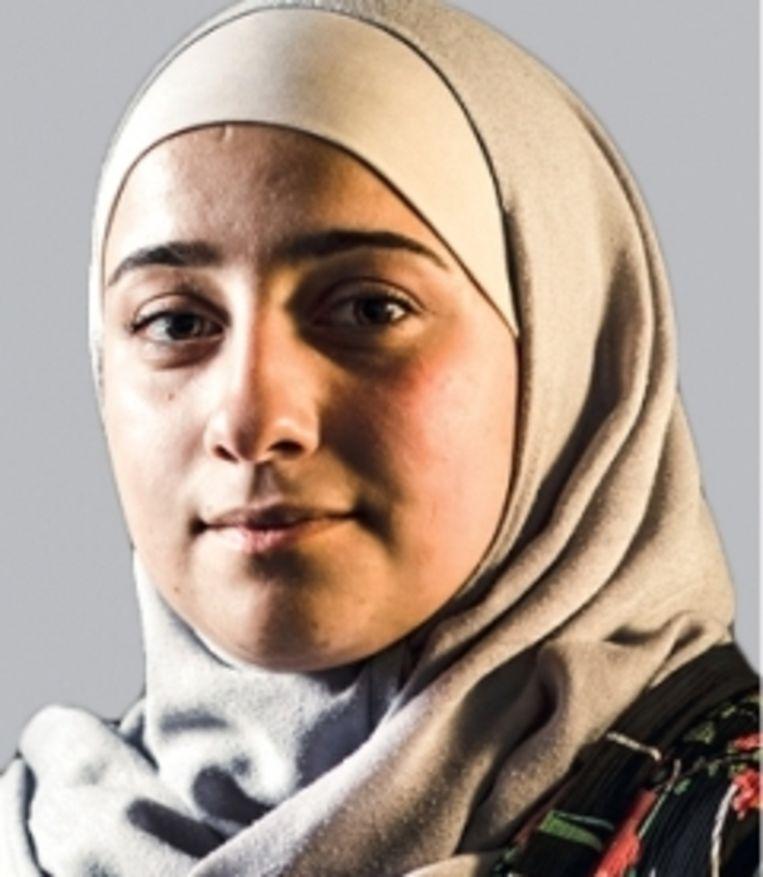 Mayada Srouji: 'Een leerkracht zei tegen een klasgenoot: 'Heeft Allah je geen hersenen gegeven?' Waarom moet hij er religie en achtergrond bij betrekken?' Beeld