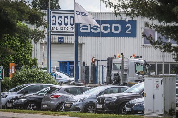 De tijdelijke werkloosheid bij Asco blijft duren.