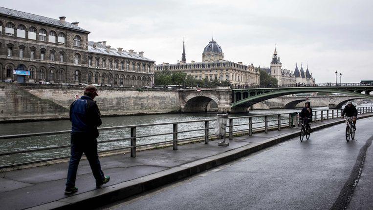 Parijs organiseerde gisteren een autoloze zondag. Beeld AFP