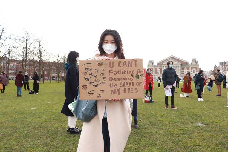 Een demonstratie tegen haat tegen Aziatische mensen in Amsterdam. Beeld Hollandse Hoogte / Inter Visual Studio