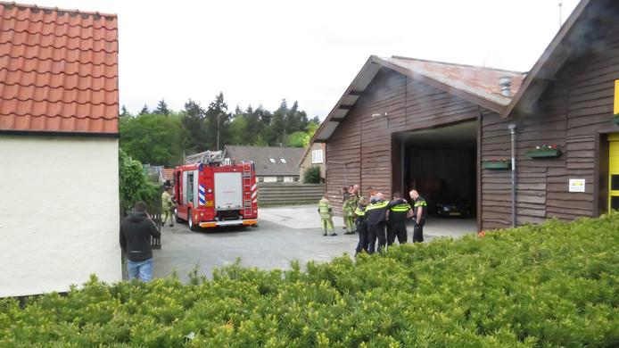 De brand ontstond in een bedrijfsloods aan de Rijksstraatweg - N225 in Leersum.