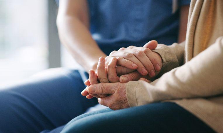 Hulpbehoevenden en senioren kunnen een beroep doen op het seniorenmeldpunt.
