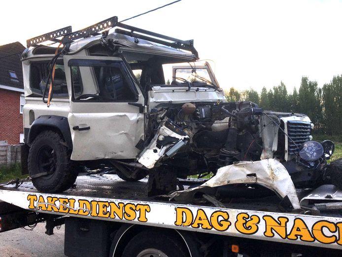 De auto van de jongeman was perte totale na het ongeval