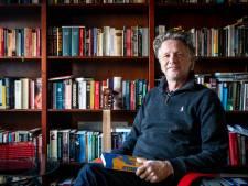 Debuutroman 'Afstand' van Andreas Floor over je los maken van de kerk; 'Geloof zou juist moeten verbinden, niet verwijderen'