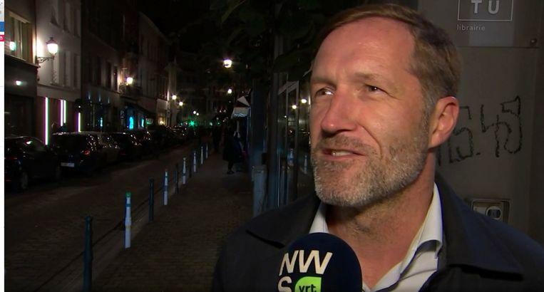 Paul Magnette wordt geïnterviewd door Pieterjan Desmedt in 'Terzake' Beeld RV