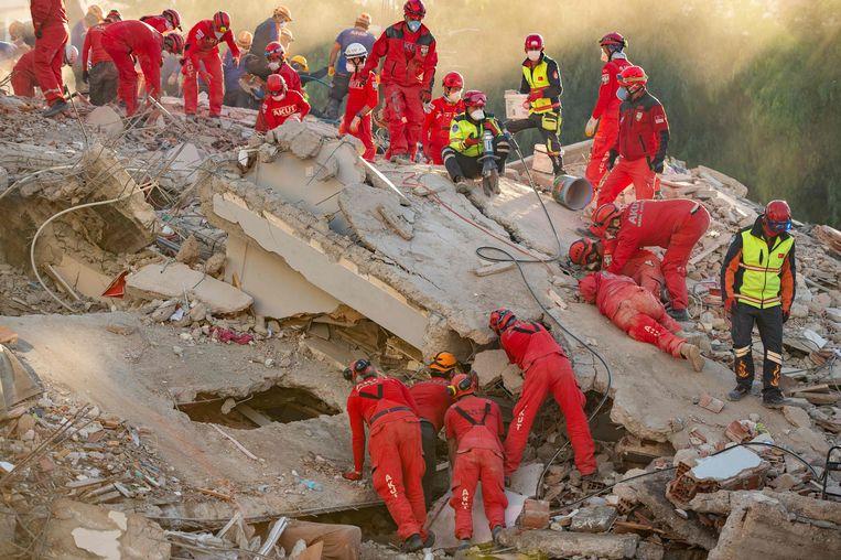 Meisje (3) levend onder puin vandaan gehaald na aardbeving