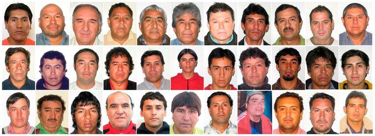 De 33 mijnwerkers die al 69 dagen ondergronds doorbrachten. Beeld UNKNOWN