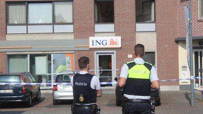 Gangsters blazen bankautomaten op