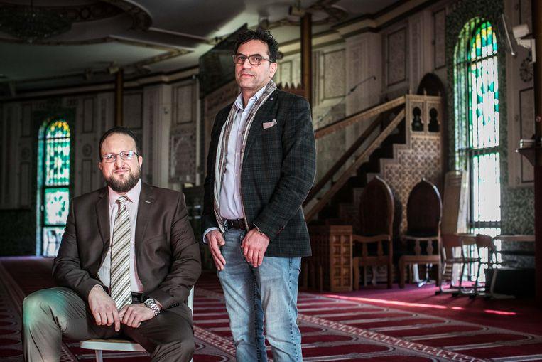 Nordine Taouil en Brahim Laytouss in de Grote Moskee Beeld BAS BOGAERTS