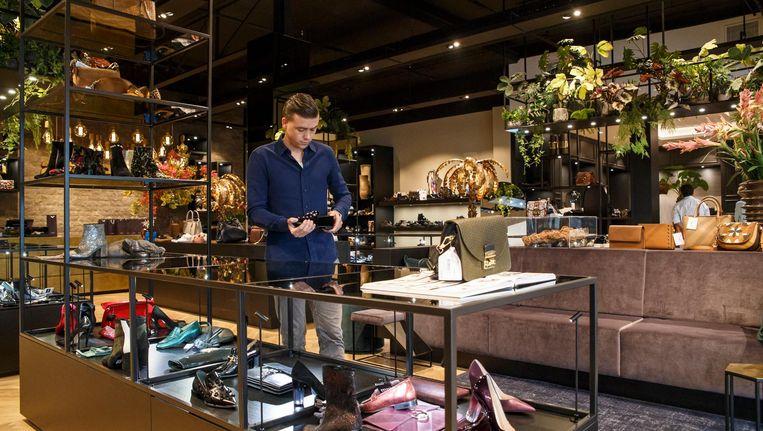 Schoenenwinkel Van den Assem | Het Parool