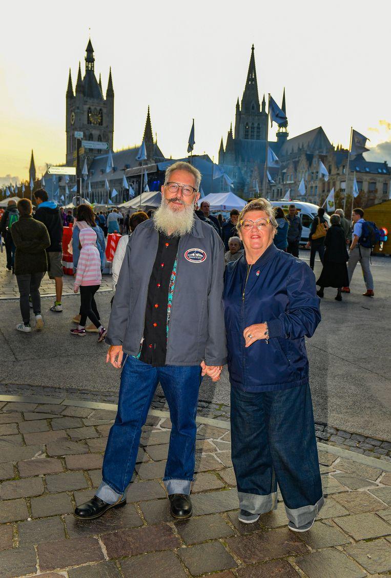 Marc en Tilly zakten uit Groot-Brittannië af naar de Westhoek.  Beeld Joel Hoylaerts / Photonews