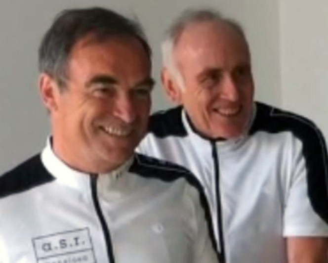 Bernard Hinault (links) en Joop Zoetemelk vlak voordat ze vanmorgen hun proloog reden.