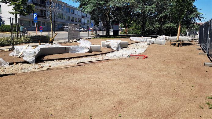 De werkzaamheden aan de buurttuin zouden eind juni klaar moeten zijn.
