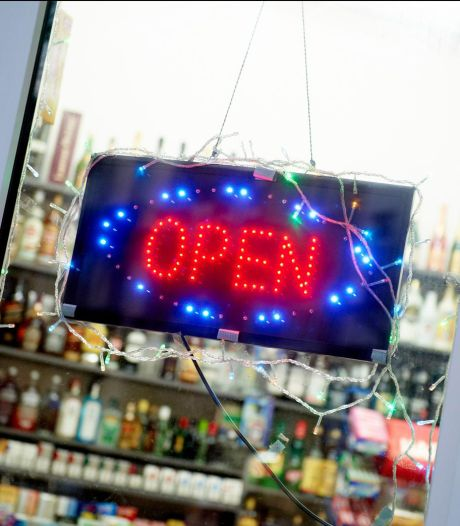 Appel rejeté: les night shops devront fermer à 22h