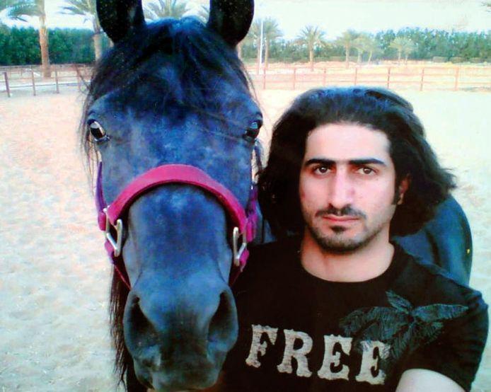 Omar, ici en Arabie saoudite en 2007, est un passionné de chevaux.