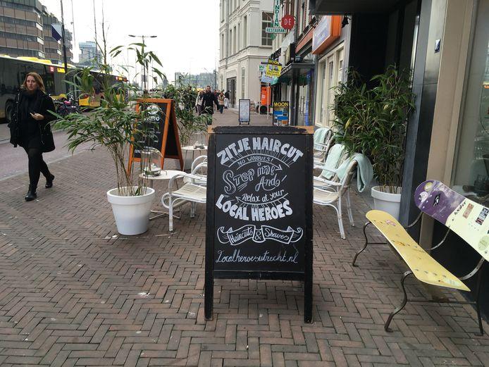 De slogan van de  Utrechtse kapsalon Local Heroes  is de Slechtste Slogan van het Jaar.