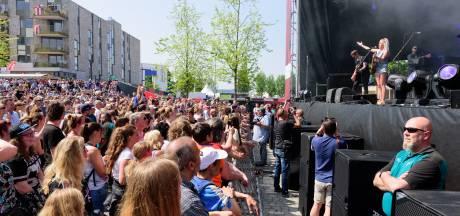 Amersfoort barst uit zijn voegen: duizenden trekken naar festivals in de stad