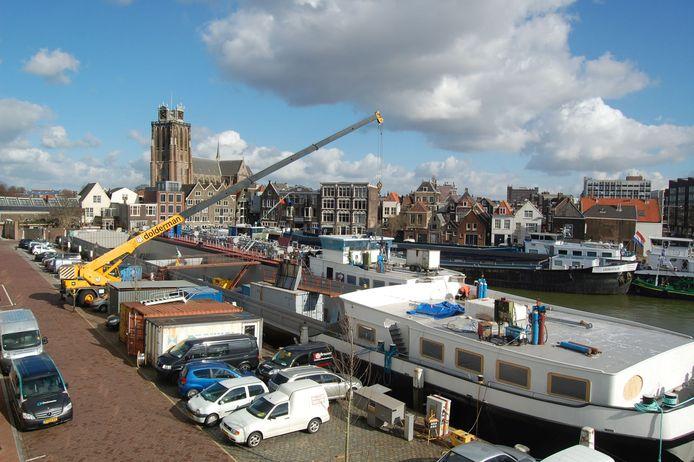 Dolderman is een van de watergebonden bedrijven in Dordrecht die in het verleden is uitgekocht en wordt verplaatst. De ruimte die de provincie Zuid-Holland nu aan overheden geeft maken meer van dat soort verplaatsingen mogelijk.